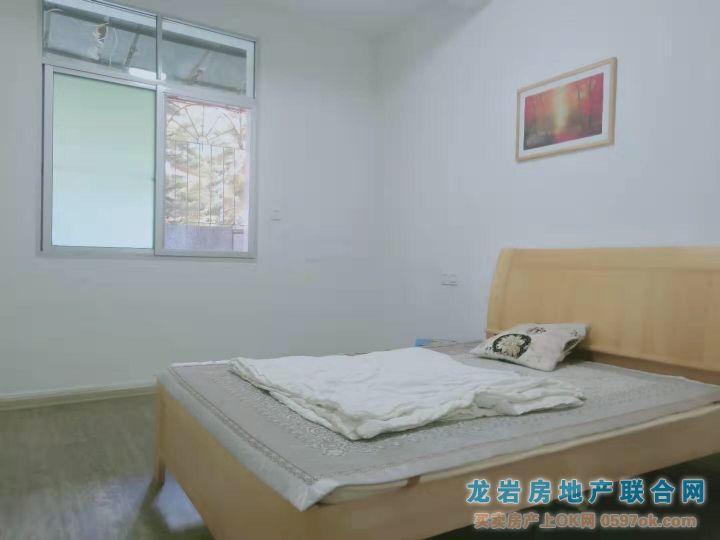 第一医院生活区实小龙初